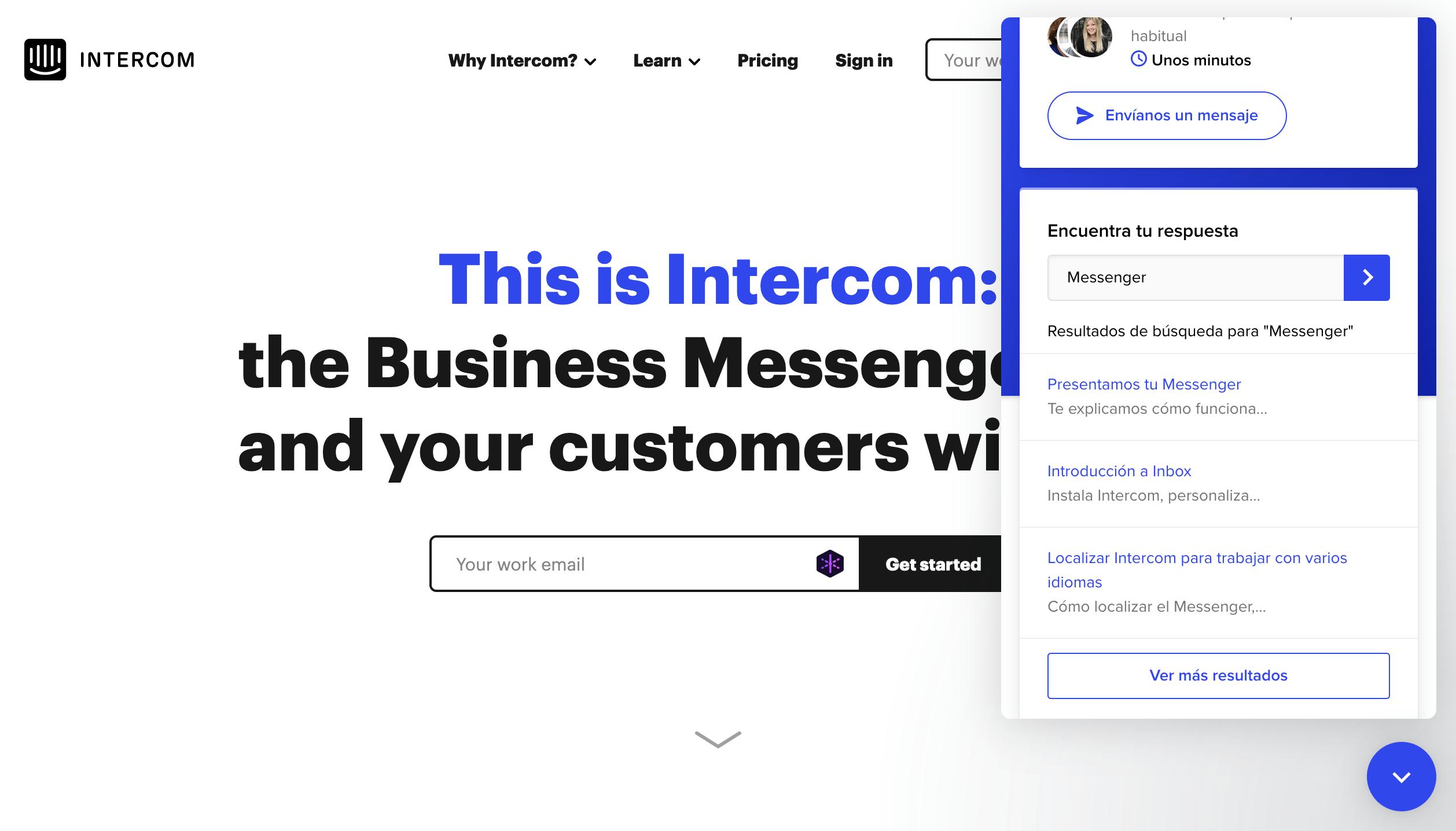 Ejemplo de atención al cliente en eCommerce con integración de chat en vivo y base de conocimiento.